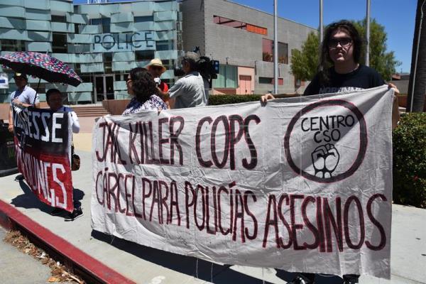 """Activistas protestan en Los Ángeles por """"política de acoso"""" de Policía"""