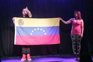 Raúl González con la bandera de Venezuela en el pecho, denuncia al régimen y envía mensaje al pueblo