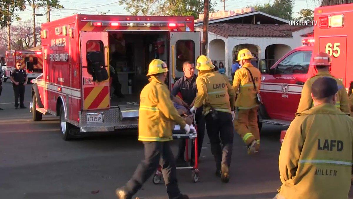Disparan contra pareja de hermanos en Sur Los Ángeles y uno de ellos muere