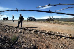 """Candidato al Congreso de Estados Unidos convoca a """"patriotas y Minutemen"""" a vigilar la frontera"""