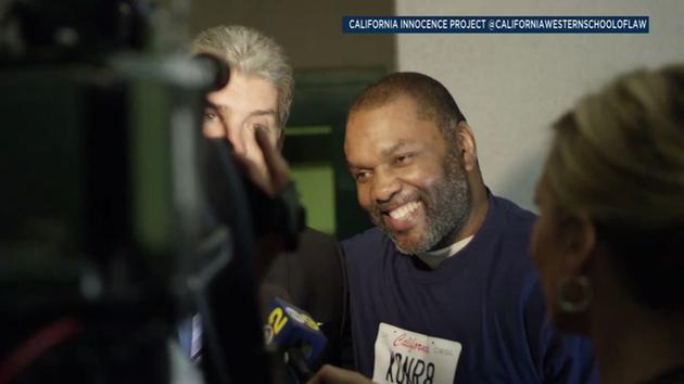 Guy Miles después de ser liberado de una cárcel de Orange.