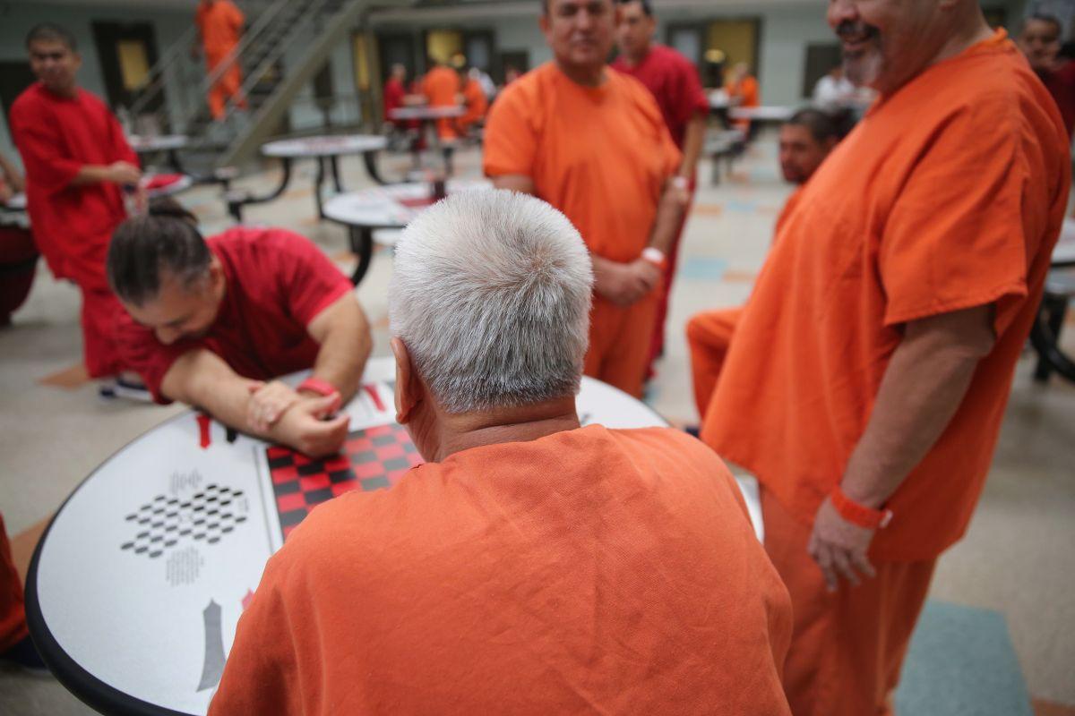 Nueva campaña contra centros migratorios ante aumento en quejas de parte de detenidos