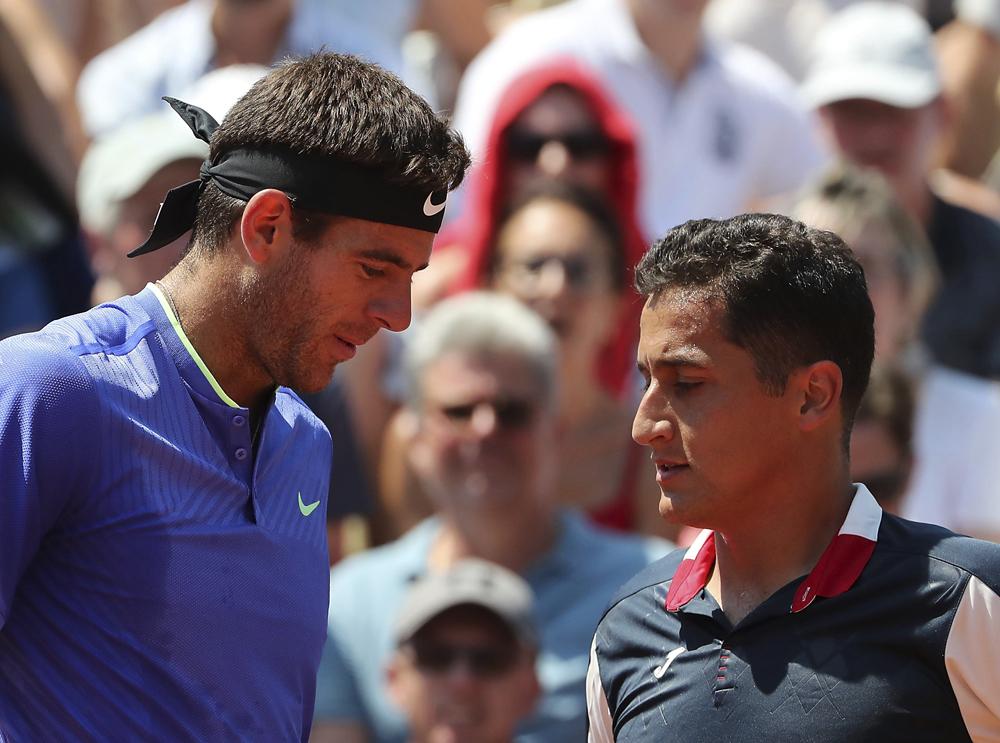Drama en Roland Garros: Almagro rompe en llanto por una lesión y Del Potro lo consuela