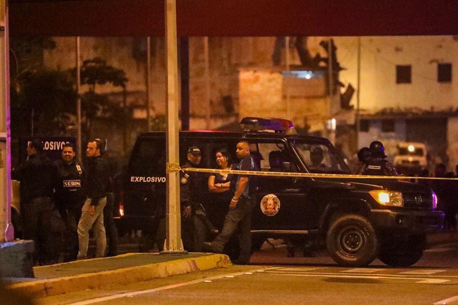 """Maduro denuncia """"ataque terrorista"""" de un helicóptero contra el Tribunal Supremo"""