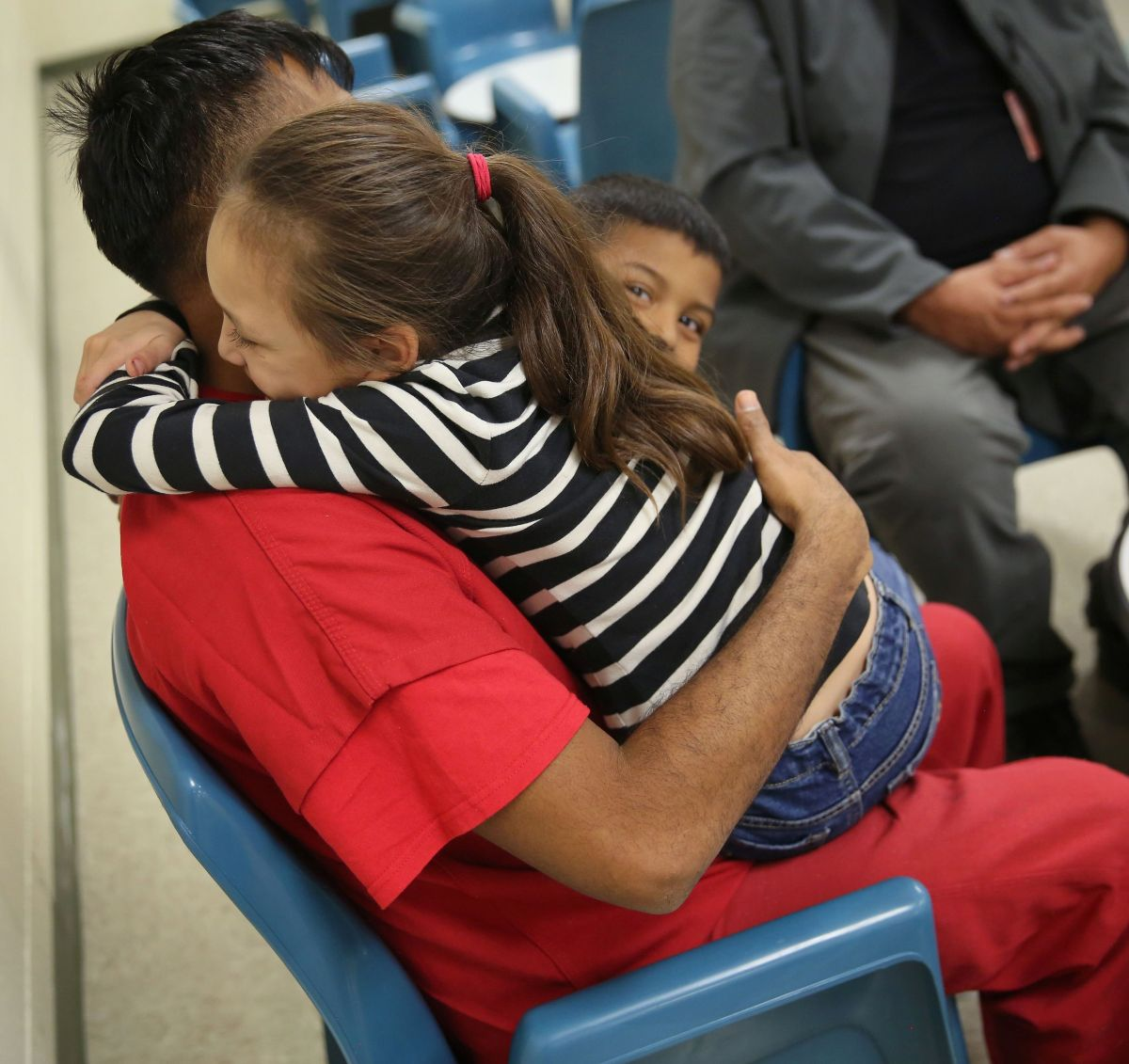 Eric Lara: el caso de un niño que no entiende por qué deportan a su padre
