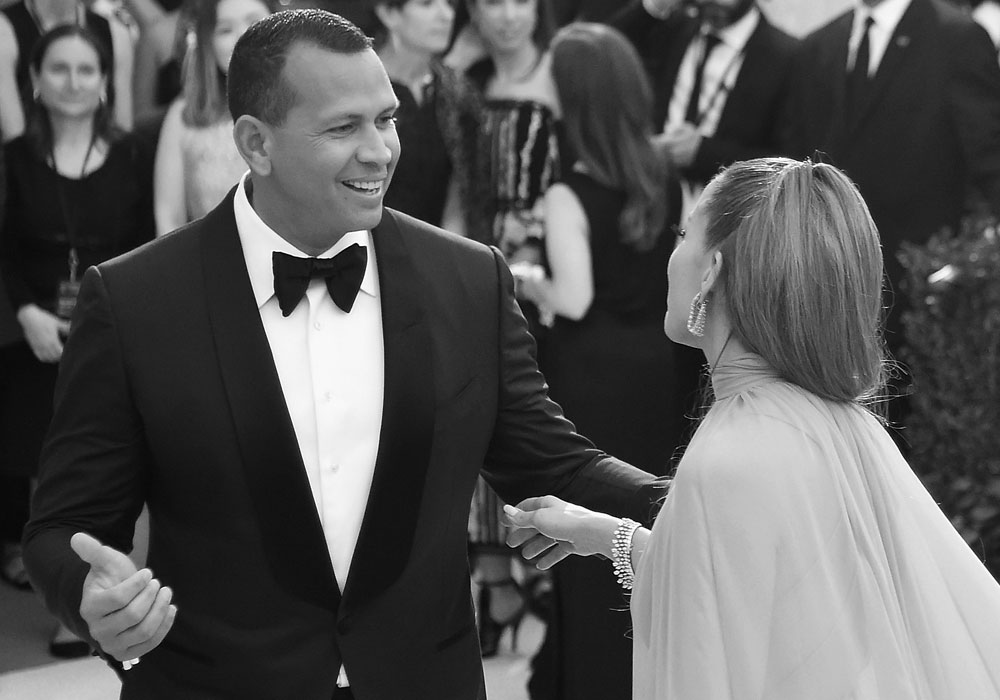 """El compromiso entre Jennifer López y Alex Rodríguez definitivamente """"está en el horizonte"""""""