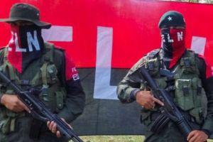 Tras más de 50 años de guerra el gobierno de Colombia y el ELN anuncian una tregua