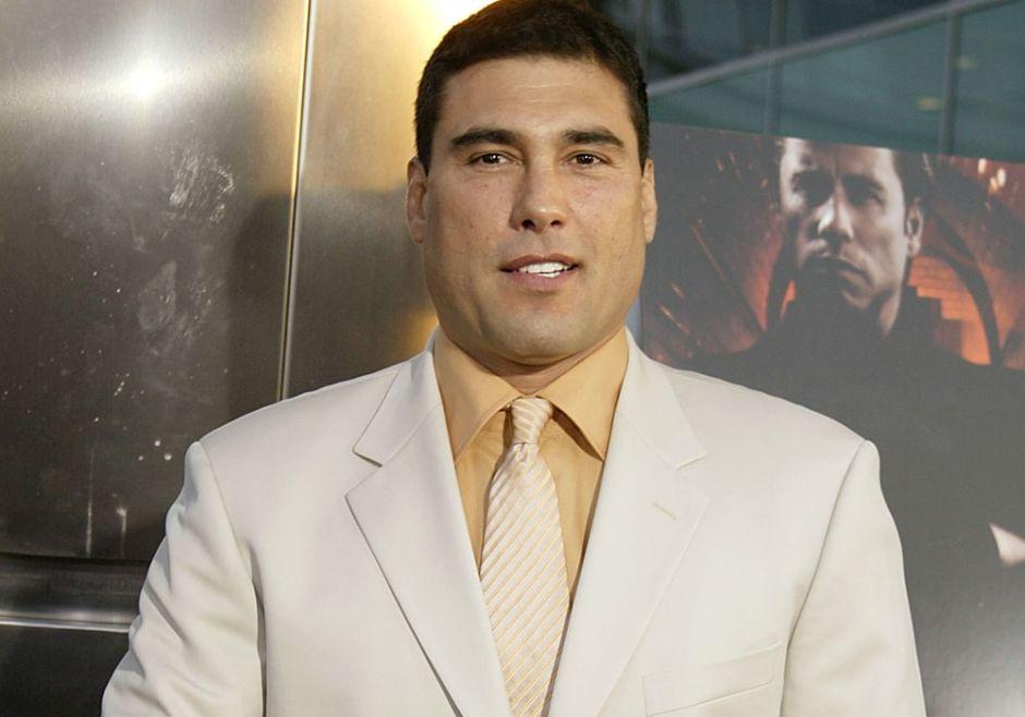¿Eduardo Yáñez tuvo un romance gay con productor de Televisa?
