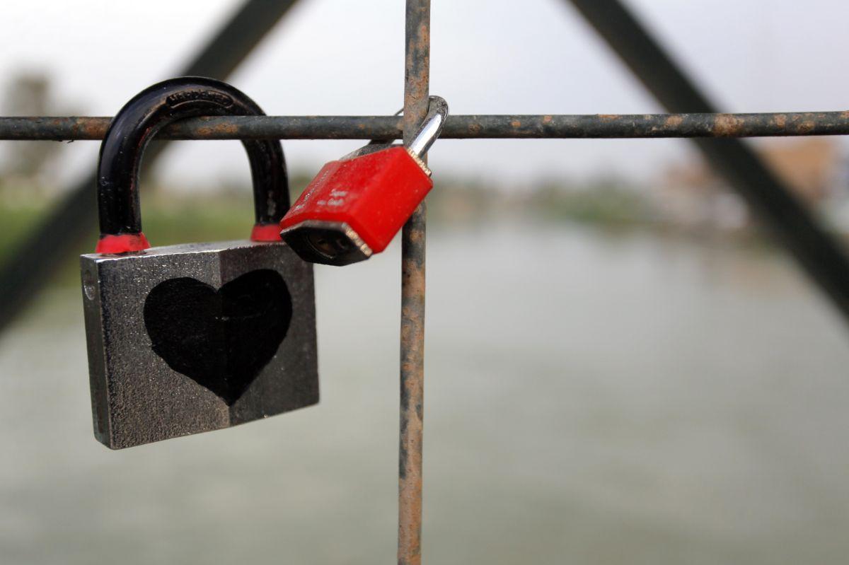 ¿Tiene futuro una historia de amor entre un derechista y un indocumentado?