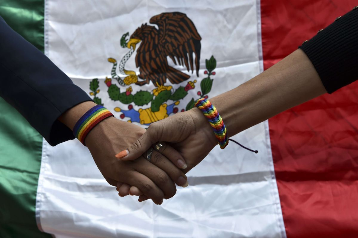 Muestras de solidaridad contra el ataque ocurrido hace un año en club nocturno gay.
