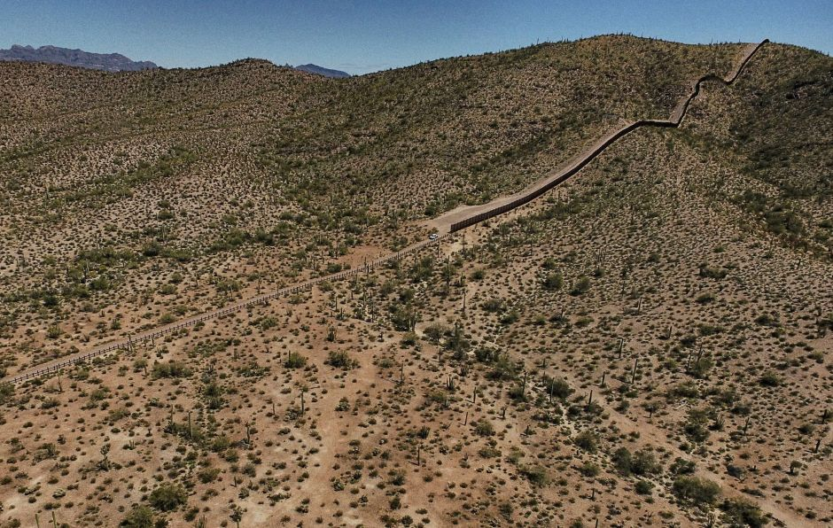 DHS espera que prototipos de muro fronterizo estén listos para septiembre