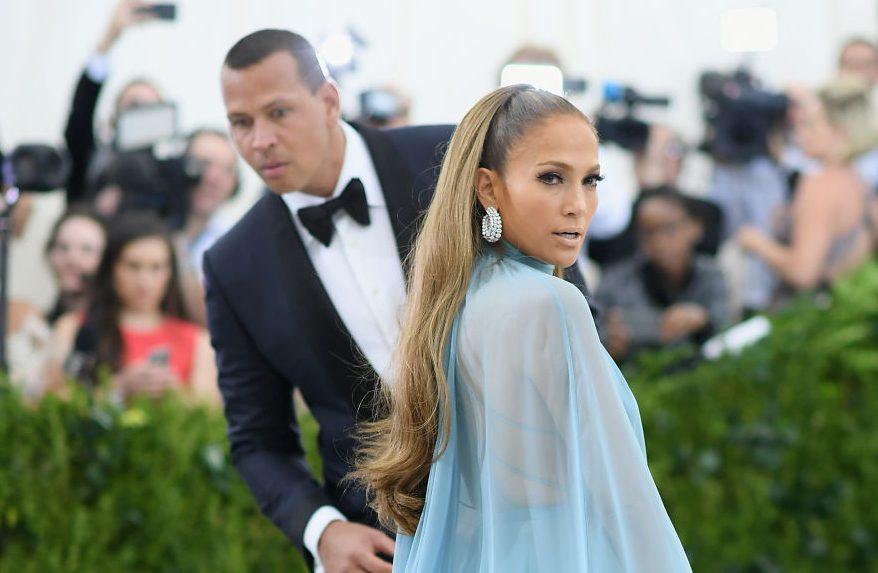 Video: Jennifer Lopez se expone sin ropa interior para nuevo video