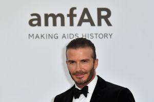 Vídeo: David Beckham y Elton John se besaron en la boda real