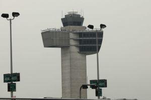 Trump anticipa viajes más baratos con privatización de control aéreo