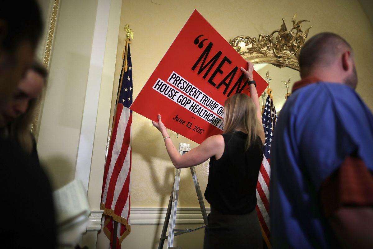 Los demócratas rechazan el proyecto del presidente Trump.