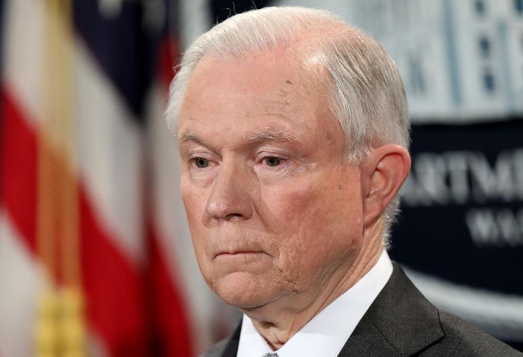 """Jeff Sessions declarará ante el Senado sobre el """"Rusiagate"""""""