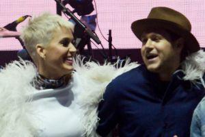 Katy Perry asegura que Niall Horan trata de seducirla, pero él lo desmiente