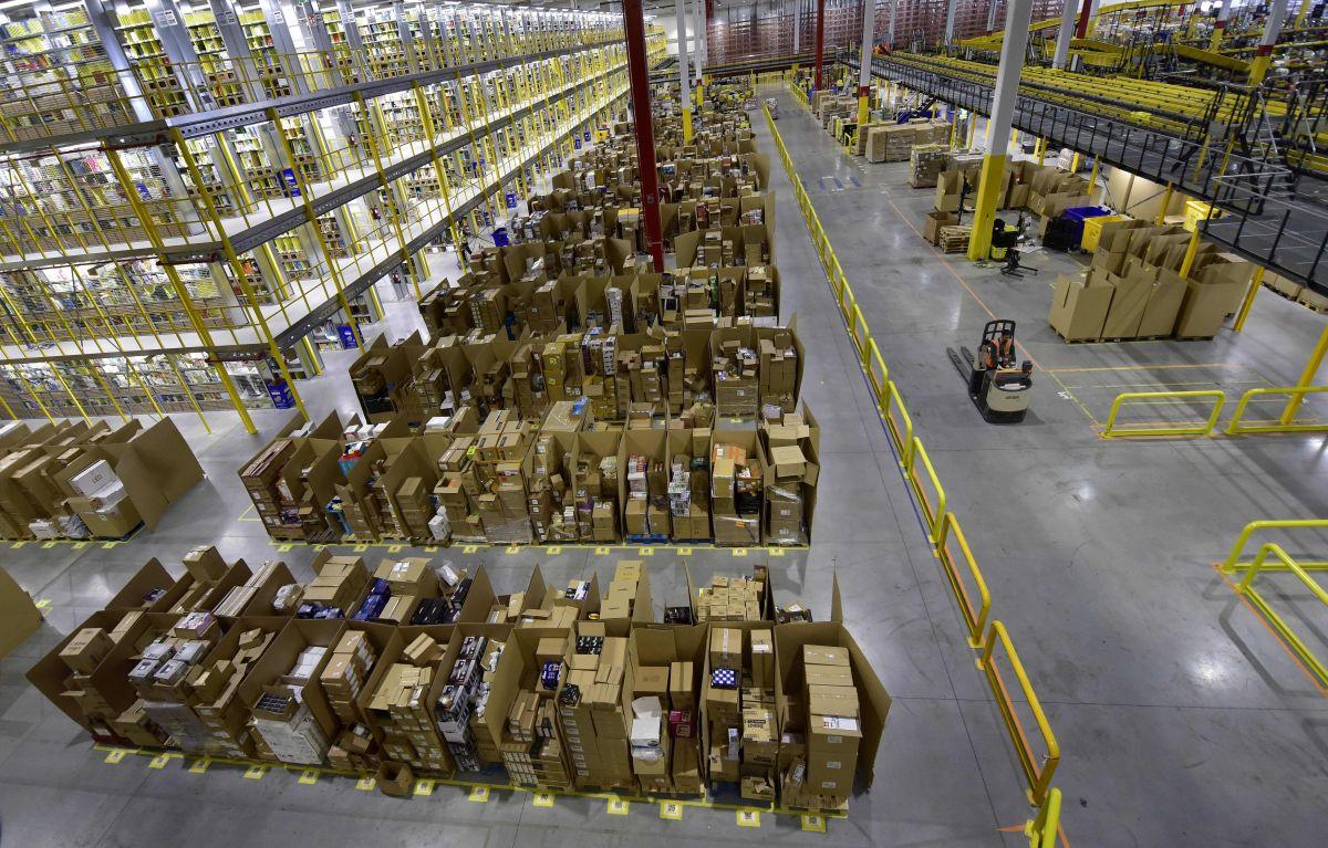 Aumenta el empleo en centros de distribución en el sur de California—pero no los salarios