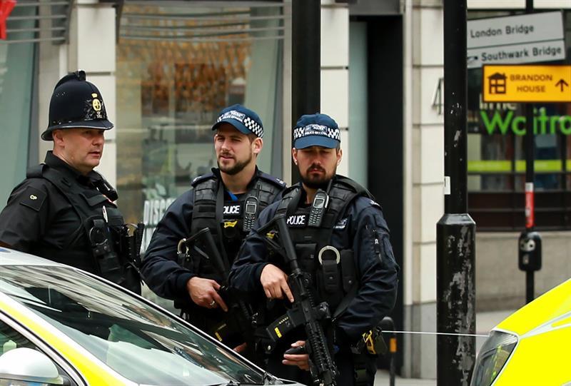 Van 12 sospechosos detenidos por recientes ataques en Londres