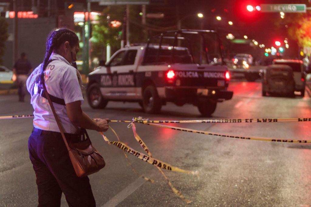 Imágenes: Asesinan a maestra mientras acompañaba a alumnos a un desfile en Mexico