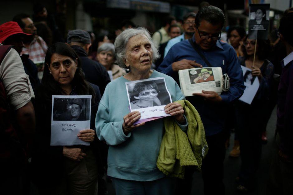 Periodistas claman justicia a AMLO para colegas asesinados