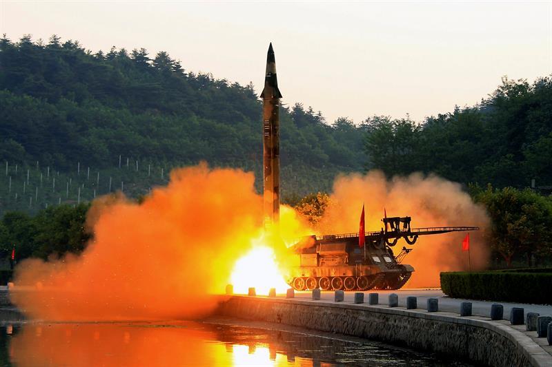 Corea del Norte realiza nuevo ensayo, lanza múltiples misiles no identificados