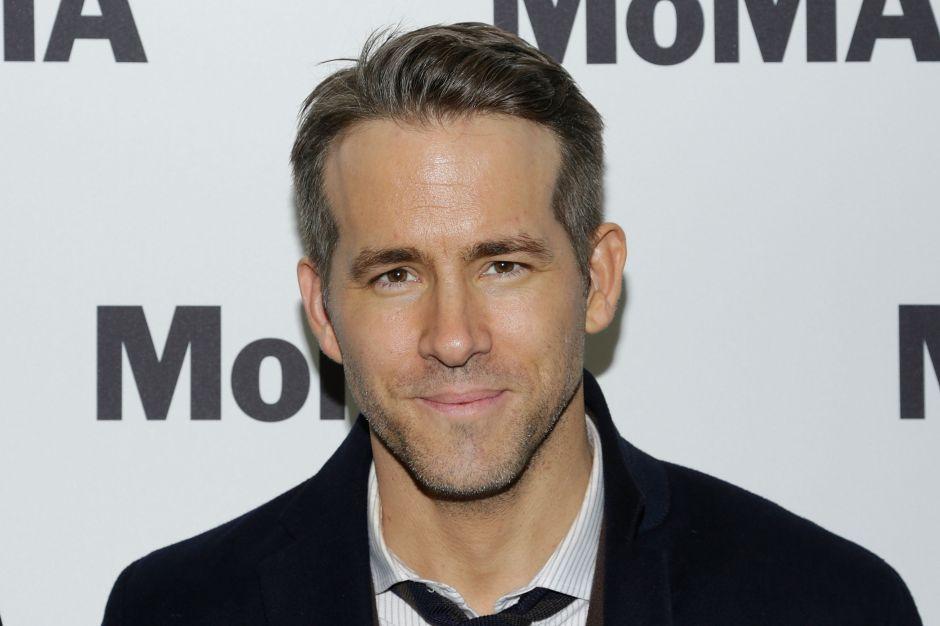 Ryan Reynolds todo un superhéroe de la vida real