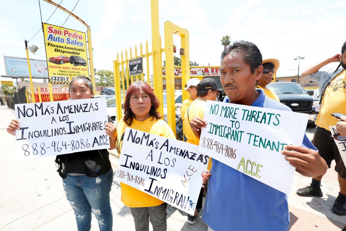 Vecinos exigen que el propietario de sus viviendas rentadasdeje de acosarlos.