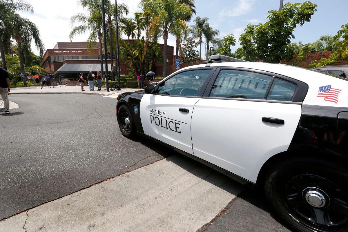 Pelea masiva de unas 100 personas en un hotel de Anaheim obliga a la policía a intervenir