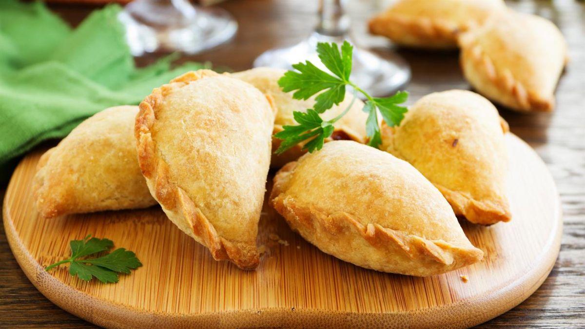 Cómo hacer empanadas de carne de res al mejor estilo argentino