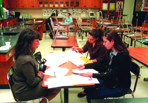 La educación bilingüe va en aumento, pero hace falta capacitar a los maestros
