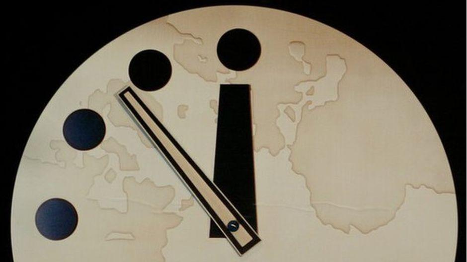 """El """"Reloj del Apocalipsis"""" que marca que estamos a dos minutos de la destrucción de la Tierra"""