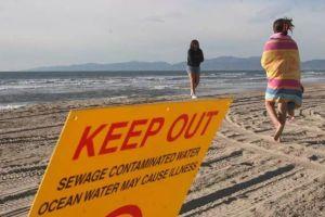 Aguas negras obligan cierre de playas en Newport Beach