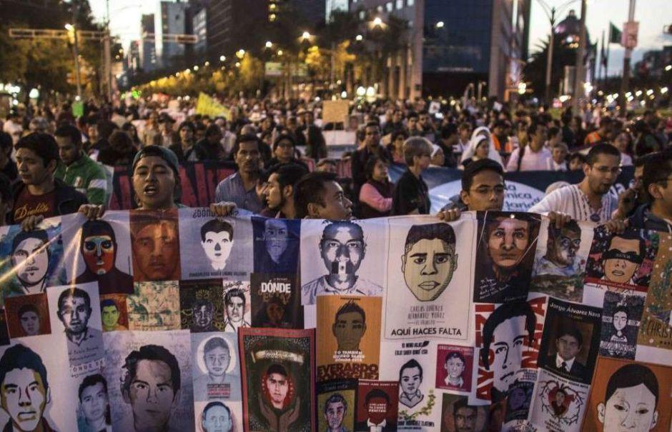 """Peña Nieto defiende la """"verdad histórica"""" sobre el caso Ayotzinapa"""