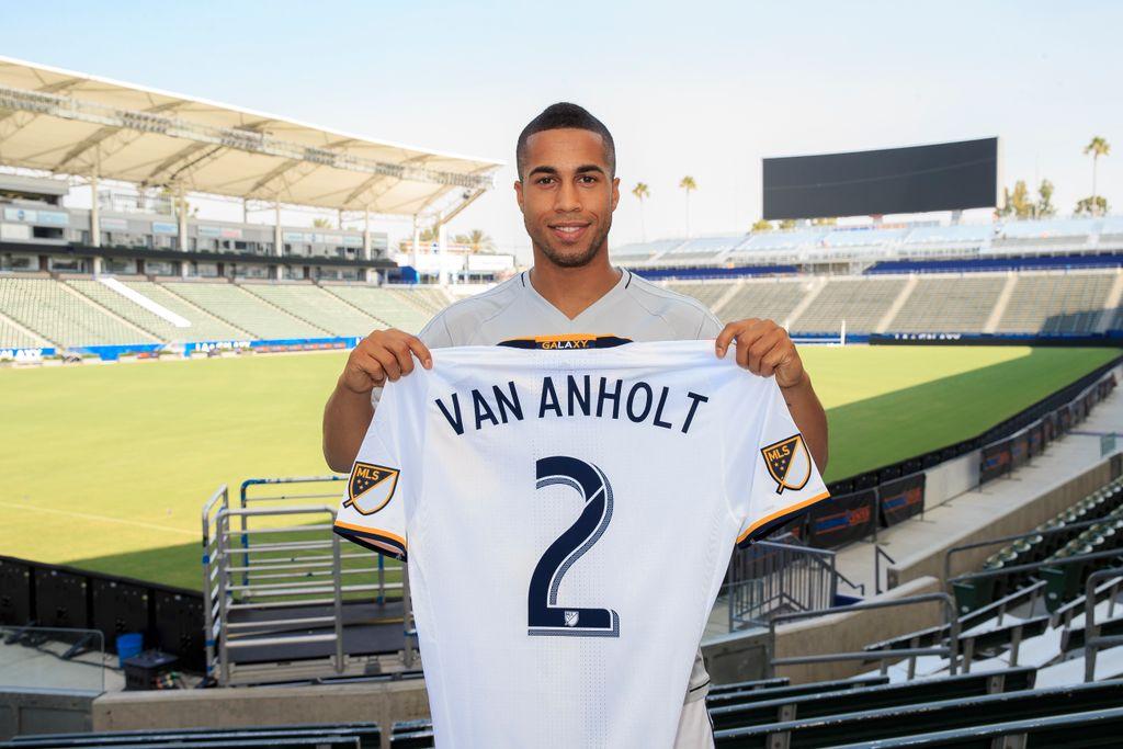 Van Holt se une al LA Galaxy.