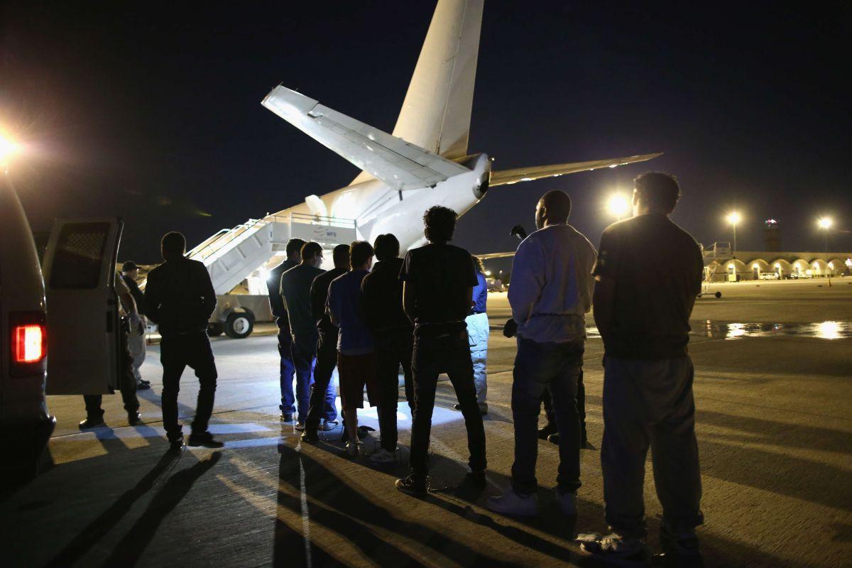 Las deportaciones rápidas han crecido desde unas 50,000 en 2004 a 193,000 en 2013.