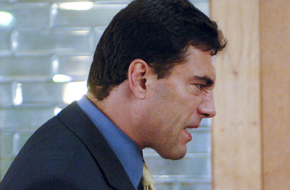 ¿Eduardo Yañez evita a la prensa para no hablar sobre supuesta cachetada que le dio a un señor?