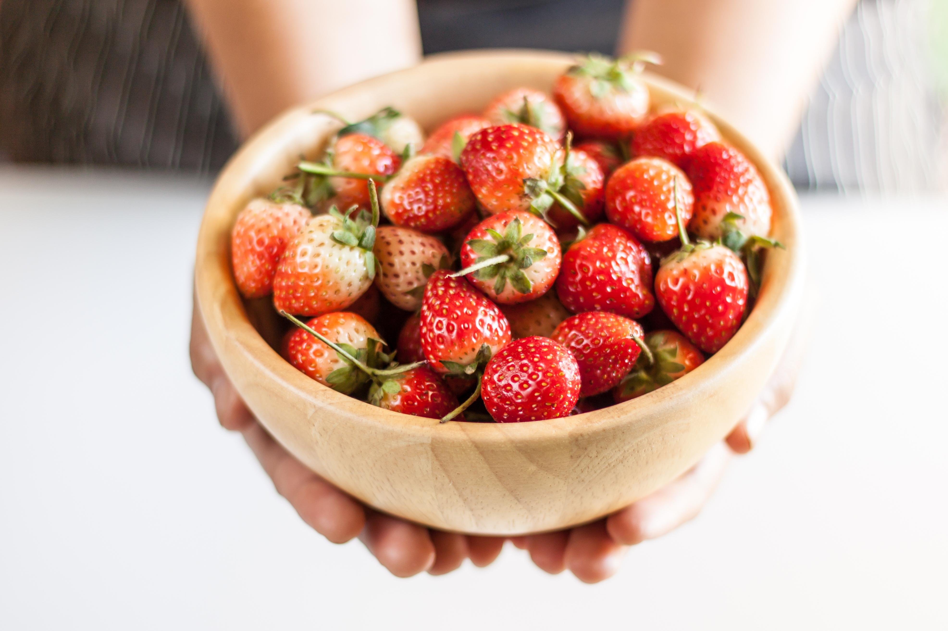 frutas verano fresas shutterstock 538408366
