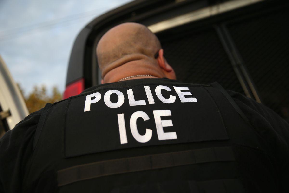Delatar el estatus migratorio de un trabajador como represalia es ilegal en California.