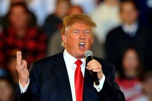 """Trump estalla en Twitter agitando el """"Día de los Presidentes"""""""