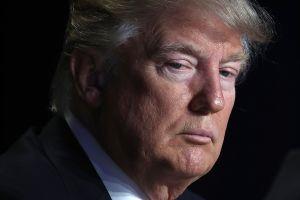 Periodista acusa públicamente a Trump de violación sexual