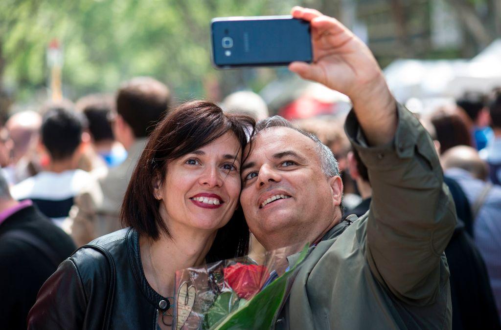Las selfies pueden desgastar las relaciones de pareja.