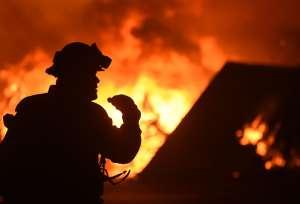 Dos enormes incendios están a punto de unirse en Colorado y causar evacuaciones masivas