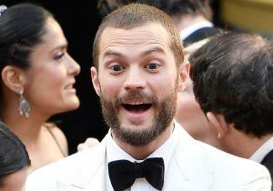 Jamie Dornan de 'Fifty Shades of Grey' sorprende con 'extraño bulto' en pantalones