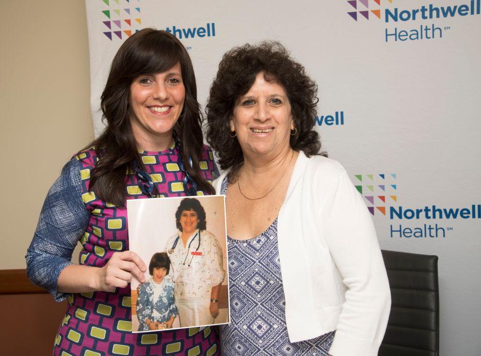 Niña en coma se encuentra con su enfermera 25 años después