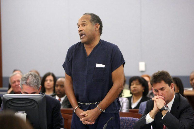 O.J. Simpson dejará la cárcel después de nueve años.