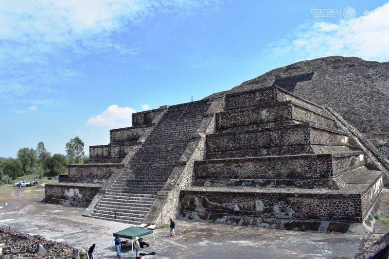 Descubren túnel en la Pirámide de la Luna en Teotihuacan