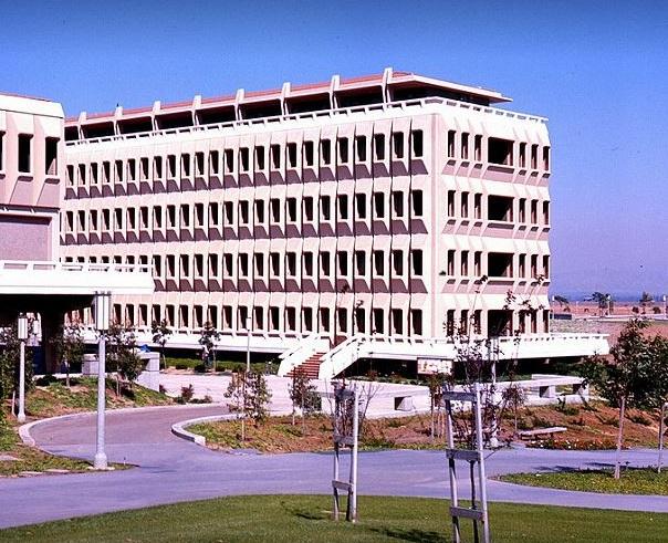 Universidad de California en Irvine.