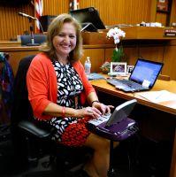Reporteras de la Corte: una profesión bien pagada, pero poco conocida