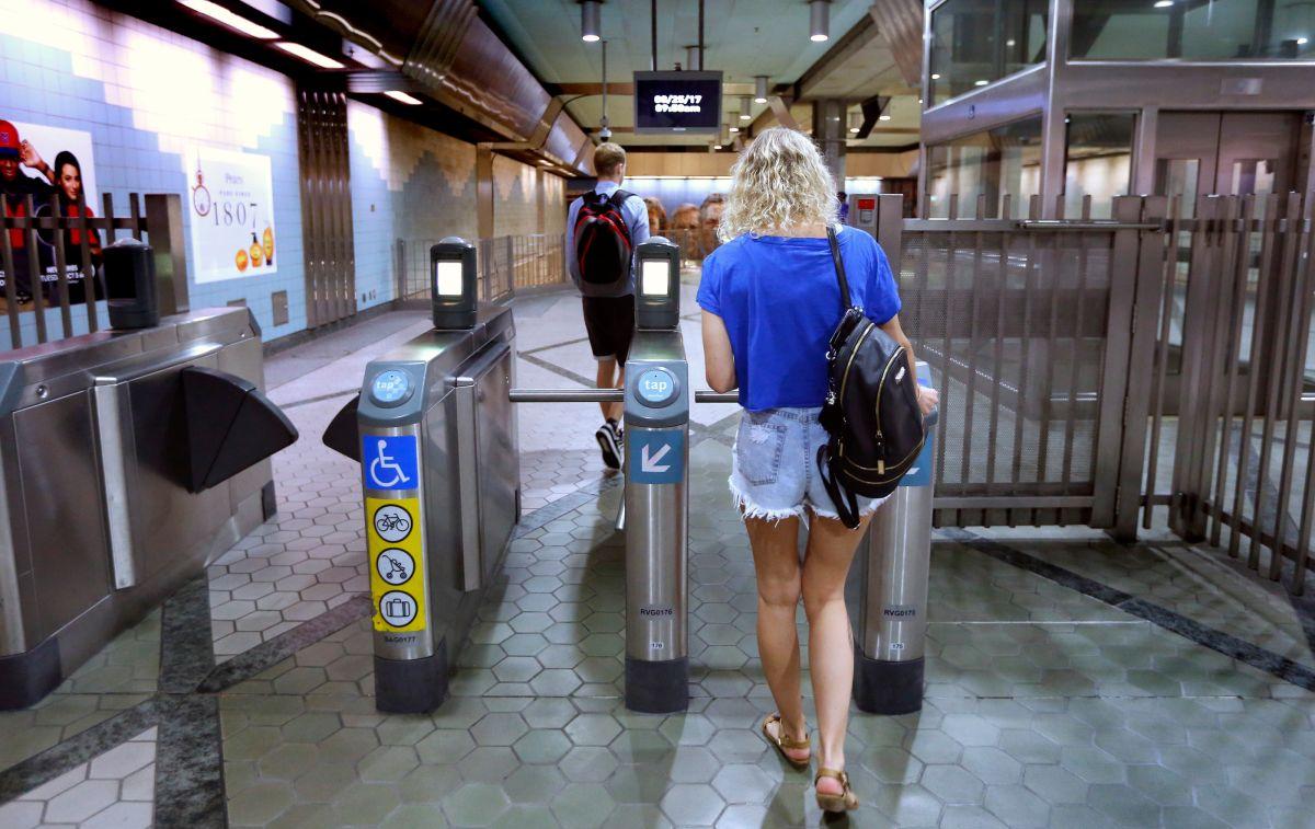 Las estaciones de Metro de Los Ángeles tendrán duchas para las personas sin hogar